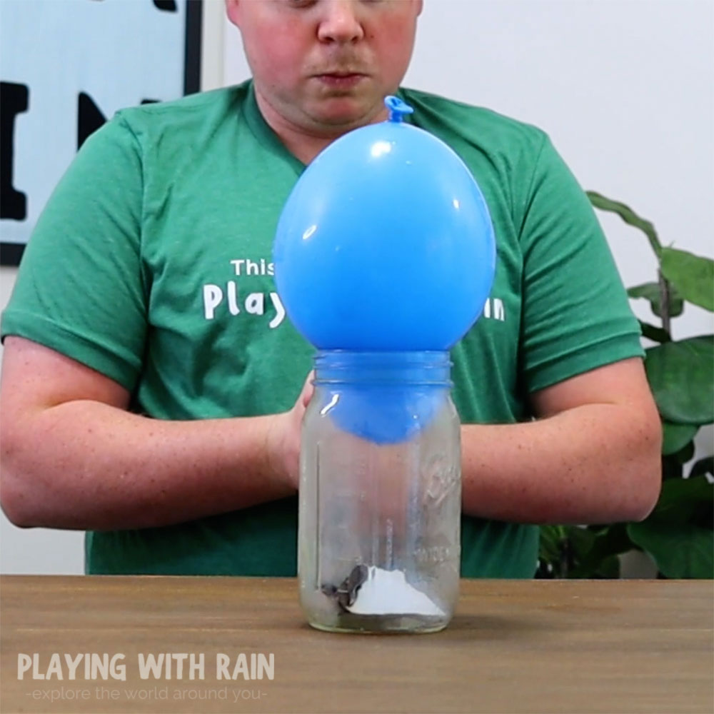 Jar gets filled with a balloon
