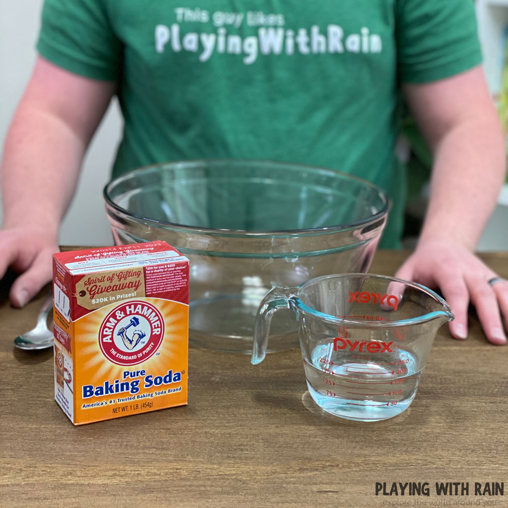 Make snow with baking soda and water