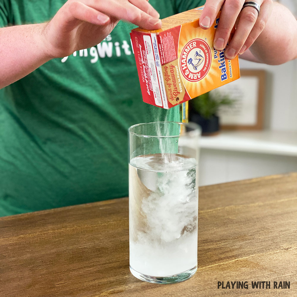 Add baking soda into the water and stir