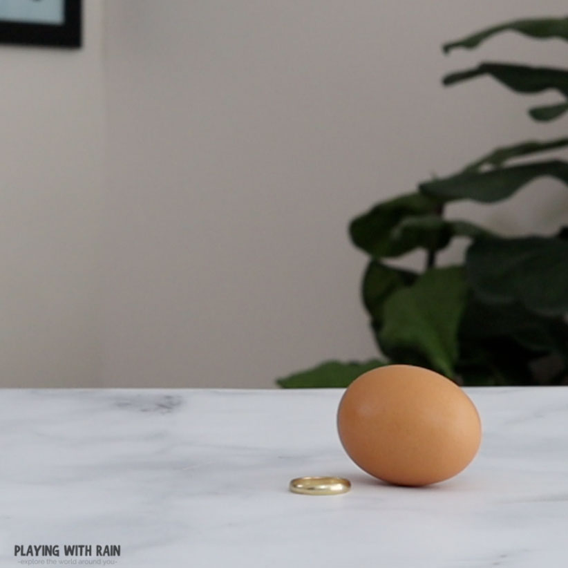 You only need a raw egg, a ring, and your hand